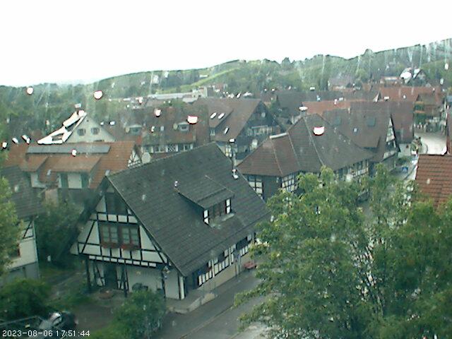 Blick auf die Talstraße im Ortskern